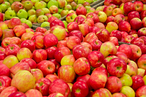 Priority Health_Personal Wellness_Michigan Farmers Market_Farmers Market Recipes_Apples